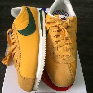 NIB Nike Classic Cortez size 8 / size 12